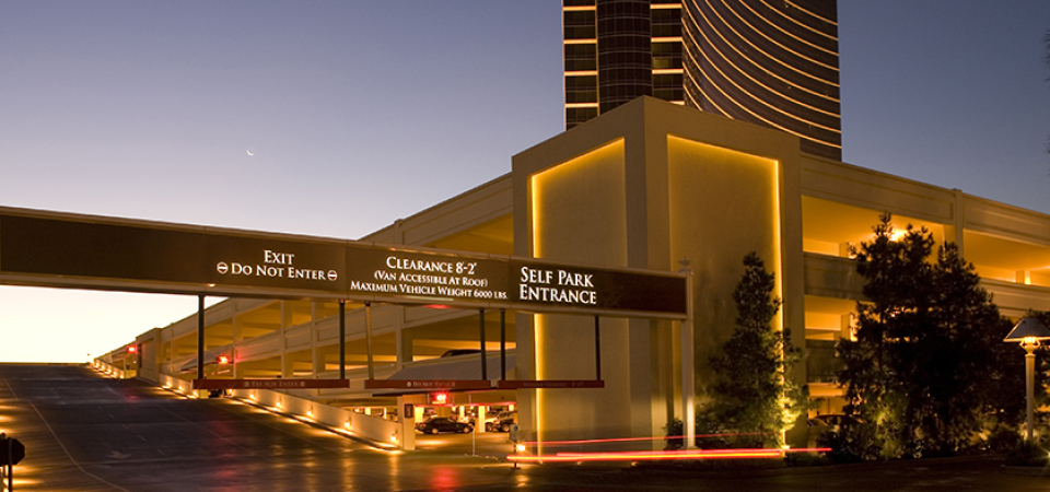 casino in vegas with free parking